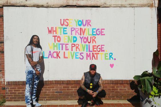 """Wat is white privilege, wat wordt er bedoeld met """"All Lives Matter"""" en hoe geef je als wit persoon gehoor aan de BLM movement?"""
